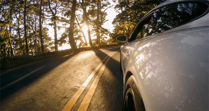 Fixez votre GoPro sur votre auto